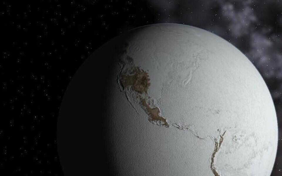 Kokkupõrke ajal valitses Maal lumepalliajastu.