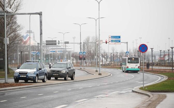Автобус №66 станет останавливаться и на улице Ахтри.