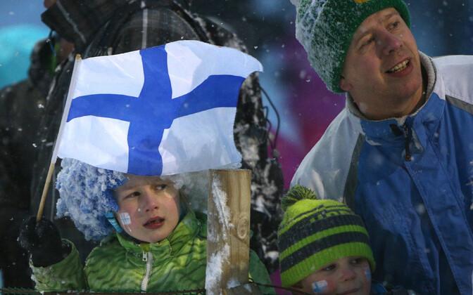 Soome noored suusafännid, arhiivifoto.
