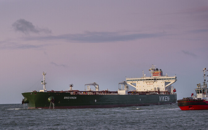 Naftatanker Breiviken Klaipeda sadamas.