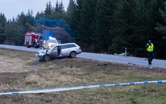 Aftermath of the fatal crash which killed a baby and two women on Saaremaa.