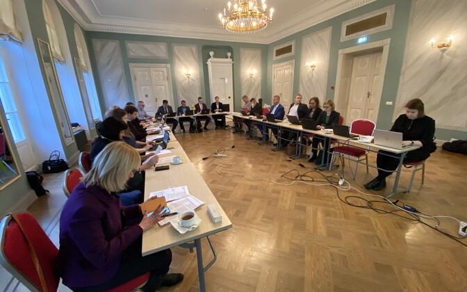 Omavalitsused arutasid koos regionaalhalduse ministriga kohaliku omavalitsuse korralduse seaduse muutmist.