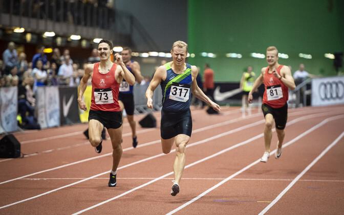 Marek Niit püstitas 300 m jooksus Eesti siserekordi.