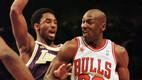 Kobe tuli, kui Mike oli lahkumas. Nende esimeses duellis 1997. aasta 17. detsembril jäi Jordani arvele 36 punkti, Bryant kogus 33 silma. Võrdlus kõigi aegade parimaga jäi Bryantit saatma kogu karjääri jooksul.