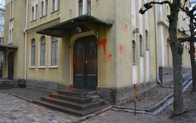 Vandaalid sodisid Turu sünagoogi.