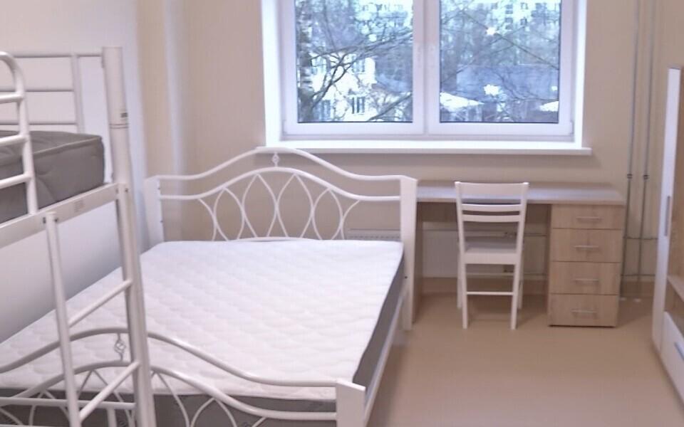 В Тарту открыл двери социальный дом, где 13 квартир ждут нуждающиеся в помощи семьи с детьми.