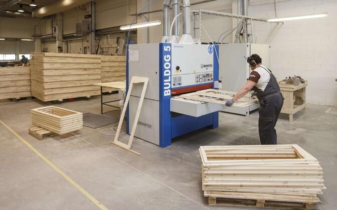 Töö puidutööstuses.