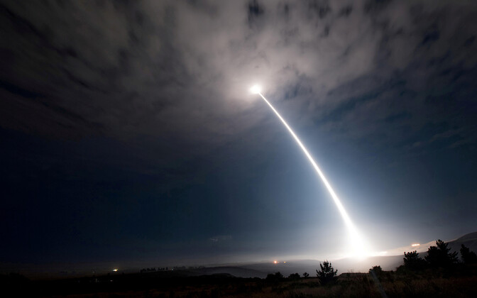 Minuteman III ballistilise raketid laskmine.