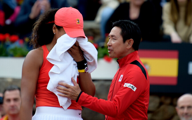Naomi Osaka koos Jaapani naiskonna treeneriga
