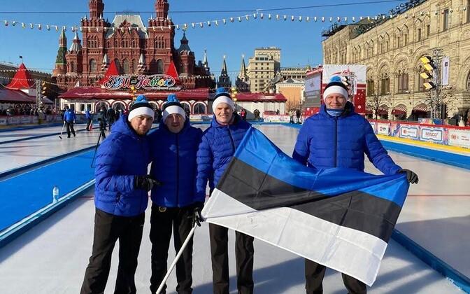 Eesti kurlingumeeskond koosseisus kapten Eduard Veltsman, abikapten Mihhail Vlassov, Janis Kiziridi ja Igor Dzenzeljuk.