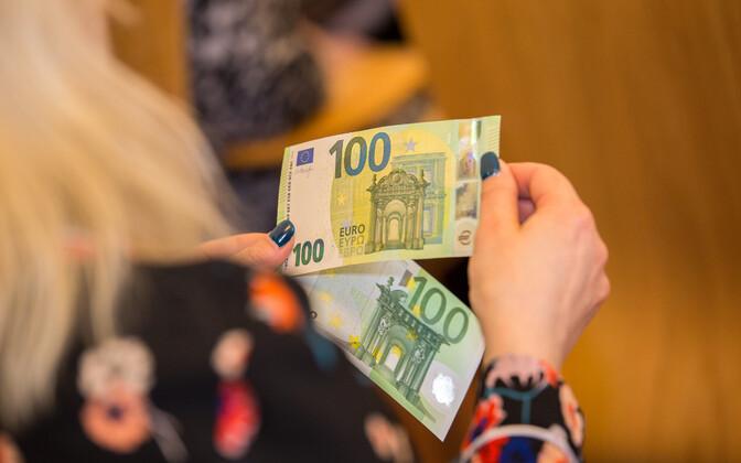 Bank notes.
