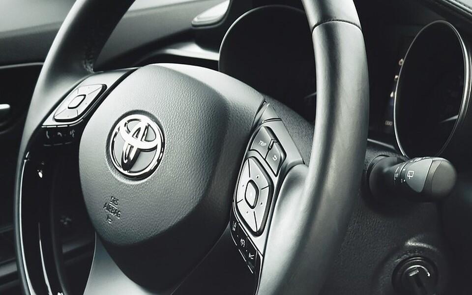 Автомобиль Toyota. Иллюстративная фотография.