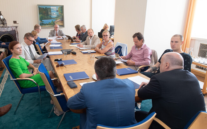 The multi-party Foreign Affairs Committee of the Riigikogu at a meeting last month.