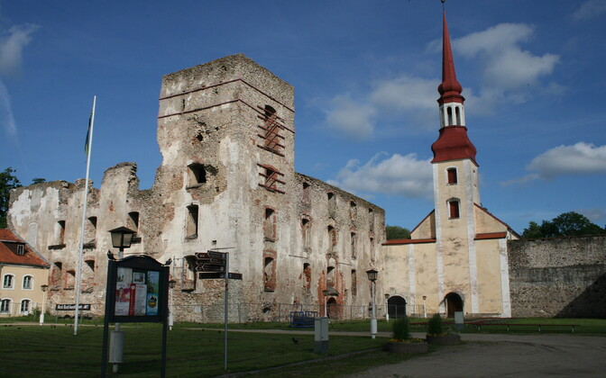 Замок Пыльтсамаа будет обновлен.