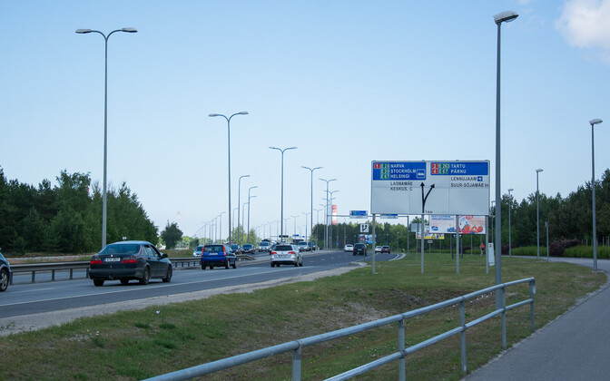 Cars on road in Tallinn.