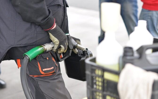 С нового года доля биодобавок в бензине должна составлять 10%. Иллюстративная фотография.