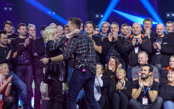 Eesti Laulu meeskond õnnitles Karmel Killandit
