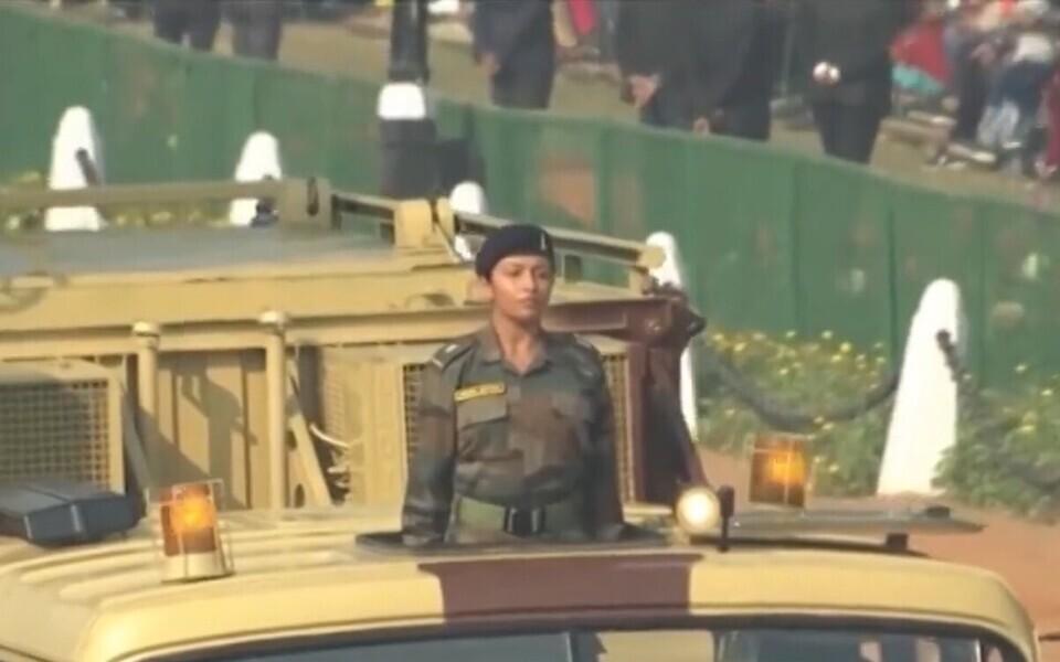 Женщина армии Индии.