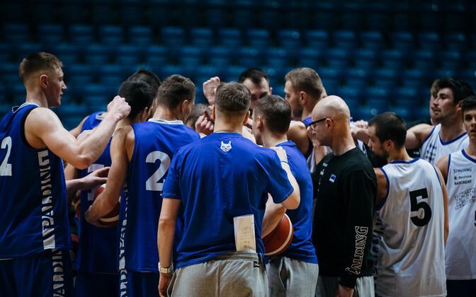 Eesti korvpallikoondis treeningul