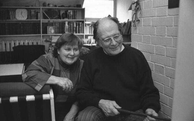 Писатели Эллен Нийт и Яан Кросс.