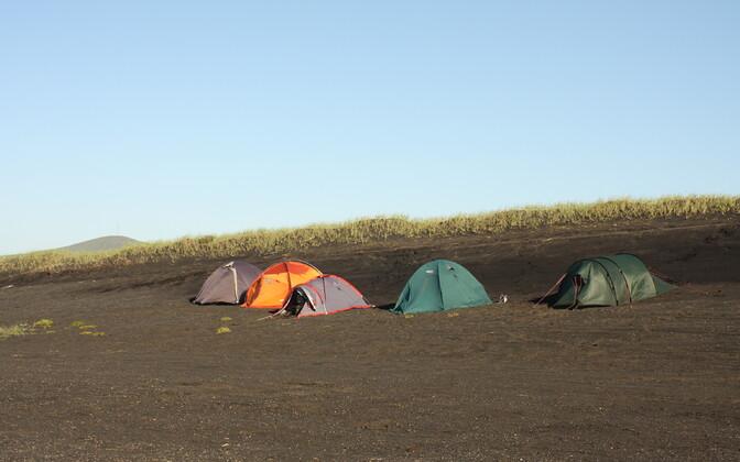 Noorteadlaste Islandi ekspeditsioon 2011. aastal. Kolm nädalat telkides.