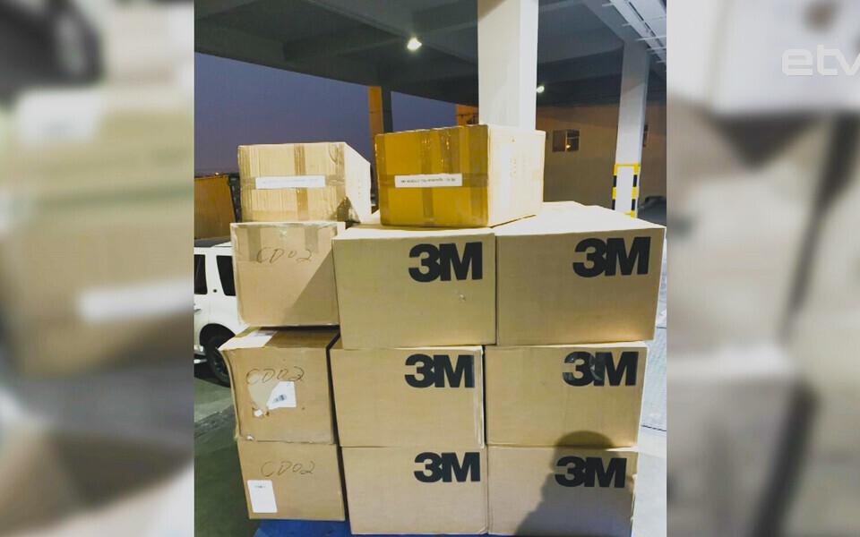 Владелец китайского ресторана в Таллинне отправил в Поднебесную 20 000 масок.