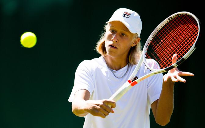 Leo Borg mullu Wimbledoni noorteturniiril.