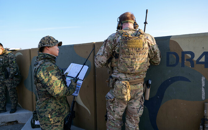 Lõuna-Korea ja USA sõdur ühisõppusel.