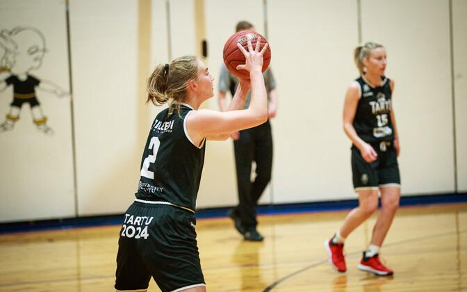 Баскетболистки команды