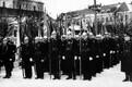 Baasideaeg lõi pitseri ka vabariigi aastapäeva paraadile – kogu üritus kestis 25 minutit, osales tavapärasest vähem sõjaväelasi, kaitseliitlasi ja tuletõrjujaid. Tehnikat polnud.