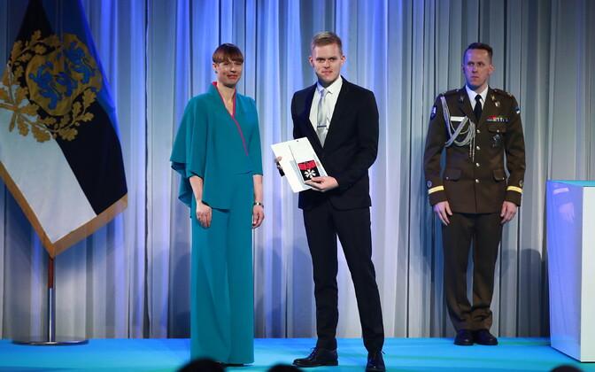 Президент Кальюлайд вручила государственные награды. Андрей Иванов.