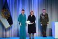 President Kersti Kaljulaid andis üle riiklikud teenetemärgid. Mare Lintrop – Tartu Ülikooli õppejõud ja radioloog ning lasteradioloogia ja patsiendiohutuse arendaja.