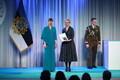 President Kersti Kaljulaid andis üle riiklikud teenetemärgid. Erika Saluveer –  Regionaalhaigla Psühhiaatriakliiniku esmaste psühhooside integratiivravi kauaaegne juht ning psühhiaatria eriala residentuuriõppe üks eestvedajatest.