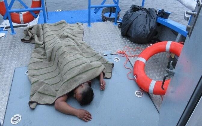 Нелегал на борту пограничного катера.