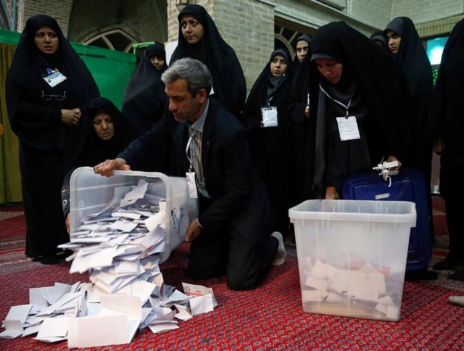 Iraani valimistel on ülekaalukalt võitmas vanameelsed
