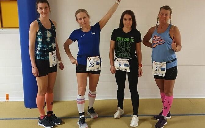 Eesti naised Espoo 24 tunni jooksul enne starti: Liina Kesamaa, Marika Roopärg, Moonika Pilli, Raili Rüütel.