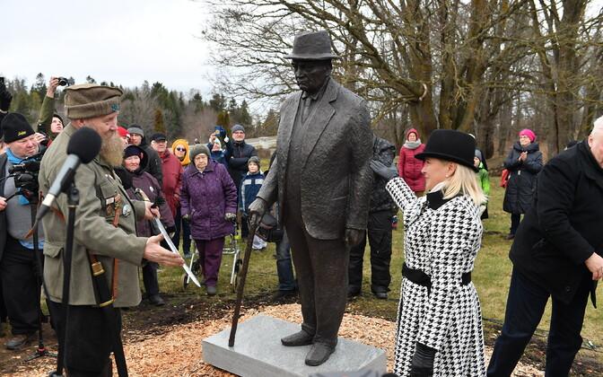 Unveiling of Konstantin Päts monument.