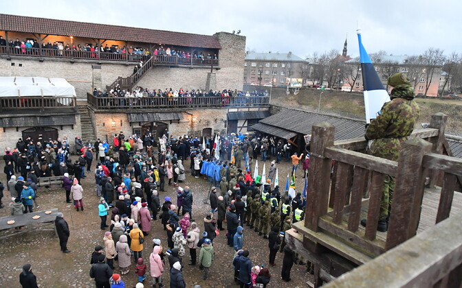 Independence Day flag raising ceremony in Narva
