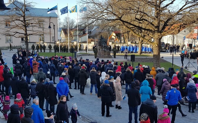 Estonian Independence Day marked in Kuressaare, Saaremaa's capital.