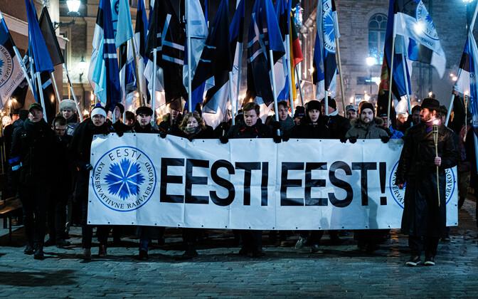 EKRE tõrvikurongkäik Eesti Vabariigi 102. aastapäeval