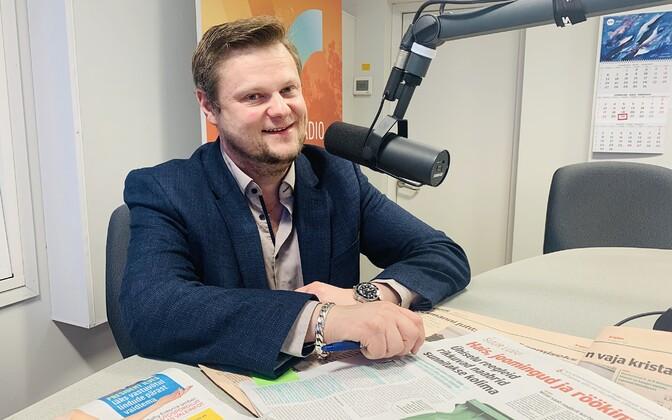Симмо Саар в радиостудии в феврале 2020 года..