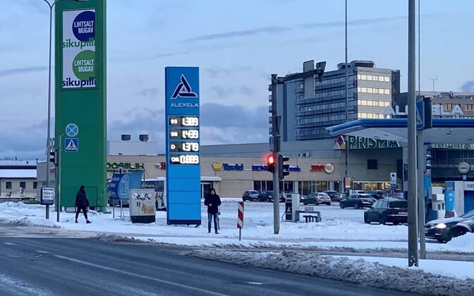 Autokütuse hinnad Tallinnas Alexela Sikupilli tanklas 27. veebruaril 2020.