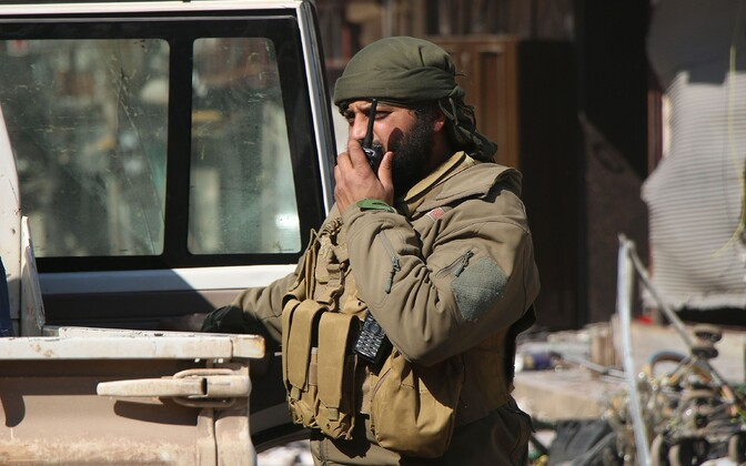 Türgi toetatud võitleja Süürias Idlibis.