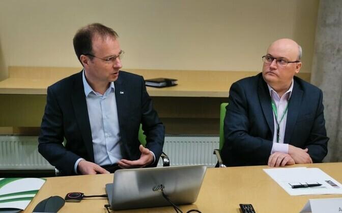 Eesti Energia CEO Hando Sutter and CFO Andri Avila at the press conference.