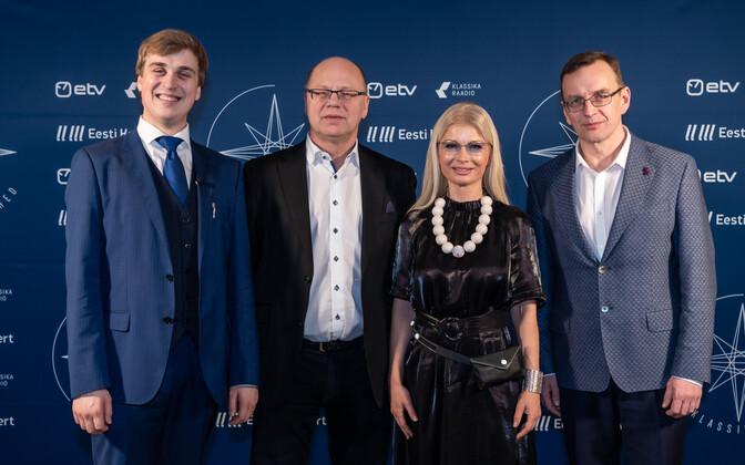 Klassikatähed 2020. Saatejuht Johan Randvere ja Kontserdivooru hinnanud žürii koosseisus Arvo Volmer, Kadri Tali ja Toomas Vavilov