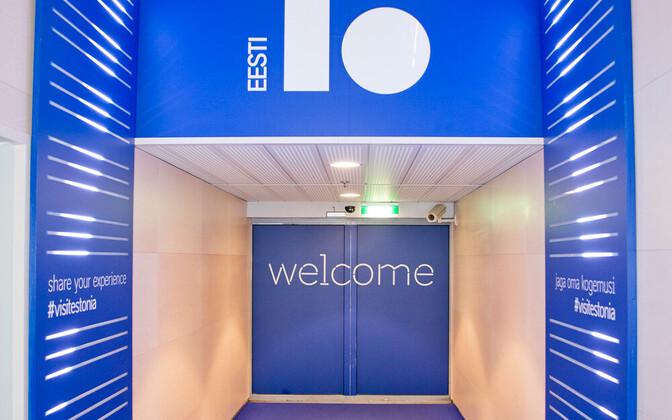 Tallinna lennujaamas saabujaid tervitavad väravad