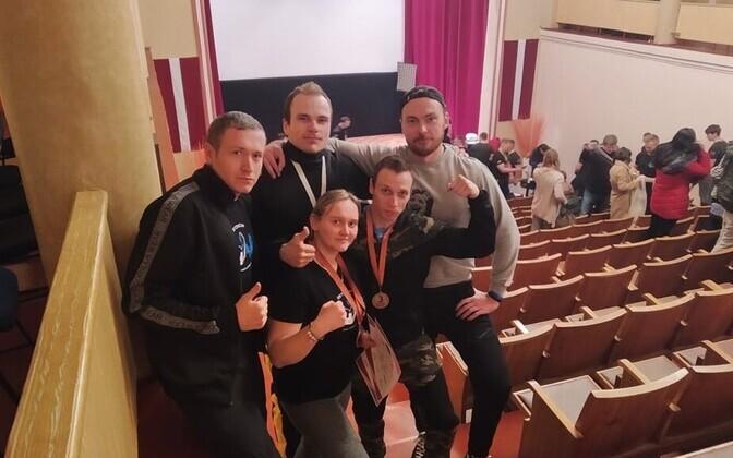 Käesurumise Eesti meeskond Riias