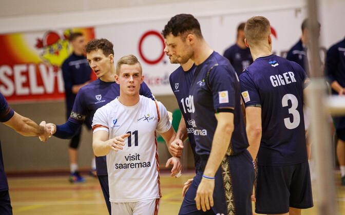 Saaremaa Võrkpalliklubi mängijad.
