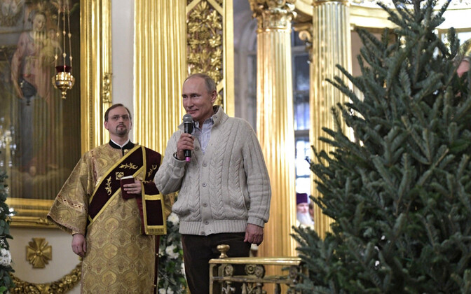 President Putin Peterburis jõulupühi tähistamas.