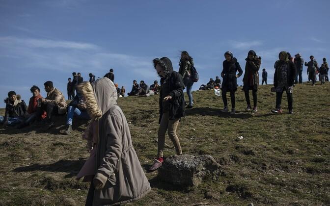 Migrandid Kreeka piiril.